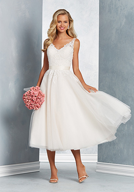 Fun And Flirty These Dresses Are An Extension Of The Part Your Personality So What Wedding Dress Says About